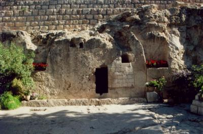 The Garden Tomb (2008 photo, Phillip Benshmuel, Wikimedia Commons)